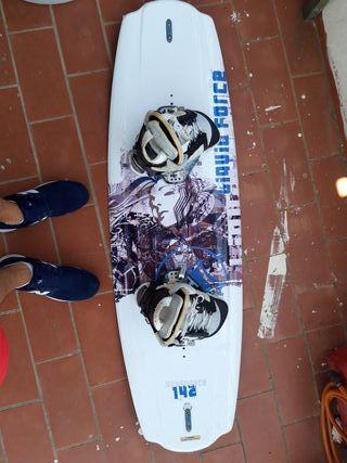 wakeboard liquid force 142