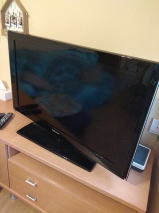 4731fb45e10d Televisor 37 pulgadas de segunda mano en Barcelona en WALLAPOP
