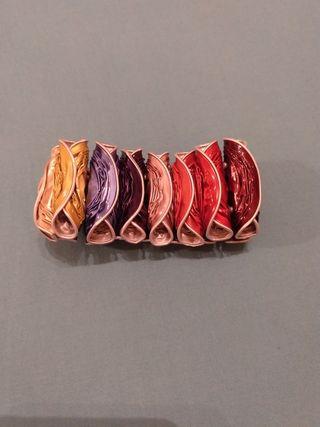 Pulsera arcoiris artesanal