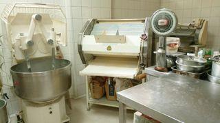 Amasadora y Formadora de pan