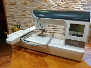Máquina de bordar electrónica Brother INNOVIS 750E
