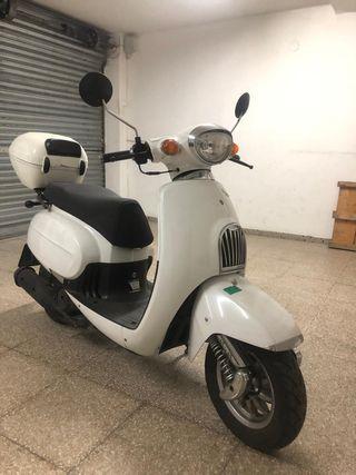 Moto scooter Daelim Besbi 125cc