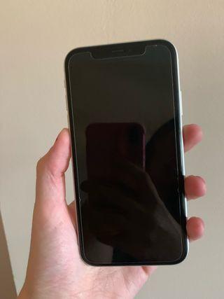 iPhone XR blanco 64gb