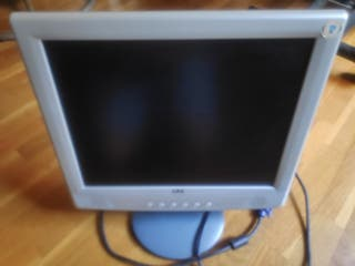 """Monitor TFT LCD Medion de 15"""" amb altaveus, color"""