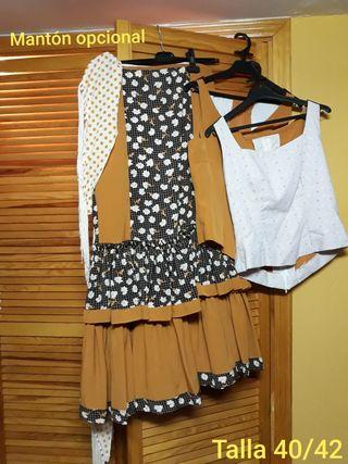 Conjunto de falda y blusa rociera