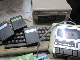 Commodore 1541 con juegos