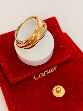 Sortija Cartier compuesta de tres anillo entrelaza
