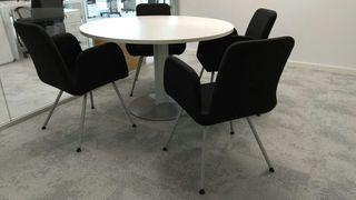 Conjunto mesa redonda más 4 sillas tipo butaca