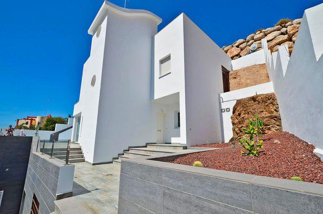 TORROX COSTA/VILLA DE LUJO R:1161/STELA MARE (El Peñoncillo, Málaga)