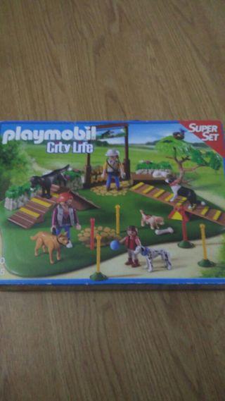 Súper set parque de perros de playmobil