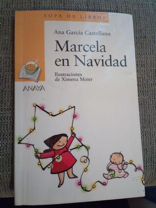 Marcela en Navidad ANAYA