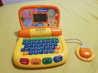 ordenador y carrito de bebé juguetes
