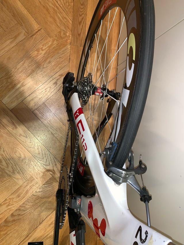 Bici de triatlón Argón 18 talla S full carbon