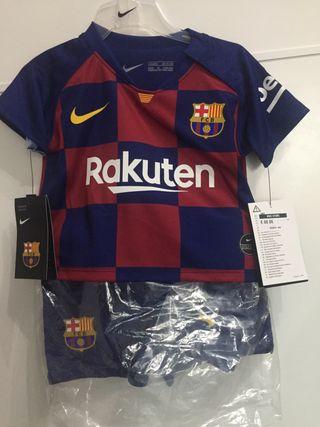 Urge vender uniforme del Barça para bebé