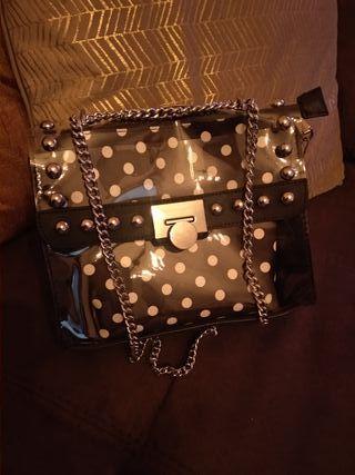 bolso negro con lunares