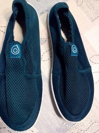 Escarpines o zapatillas acuáticas 38
