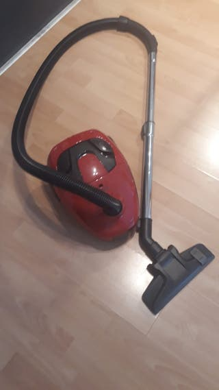 Vacuum cleaner. Home & cleaning