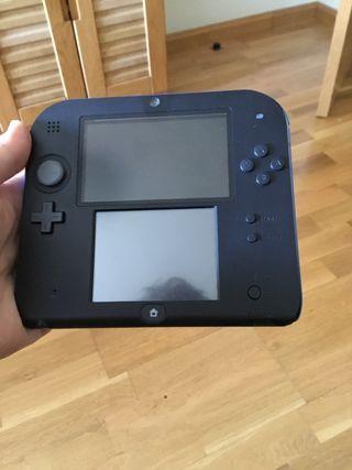 Se vende consola Nintendo 2ds con 5 juegos