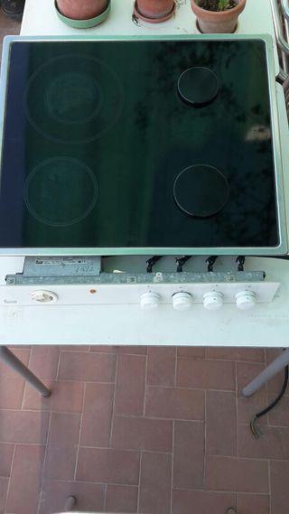 encimera mixta (gas y electricidad)