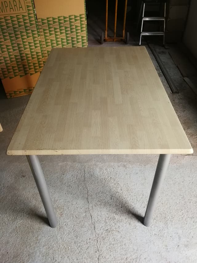 Mesa de cocina cuadrada de segunda mano por 40 € en Mesegar ...