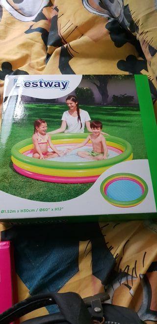piscina nueva en su caja