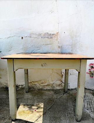 Mesa de comedor industrial años 50