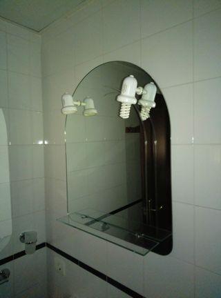 Espejo cuarto de baño con repisa