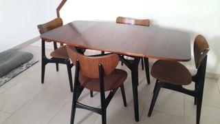 Mesa de comedor extensible vintage con 4 sillas