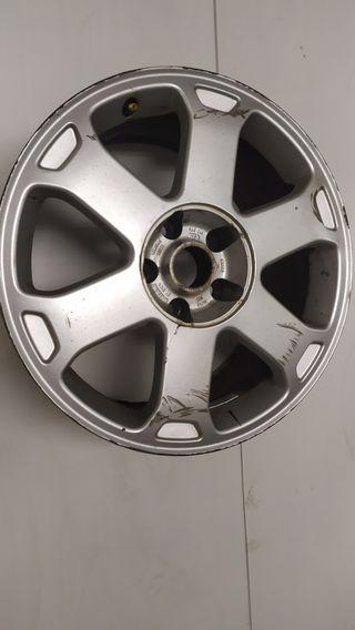 Llanta Suelta Audi S6 C5 17 pulgadas original