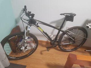 Bicicleta de montaña KTM