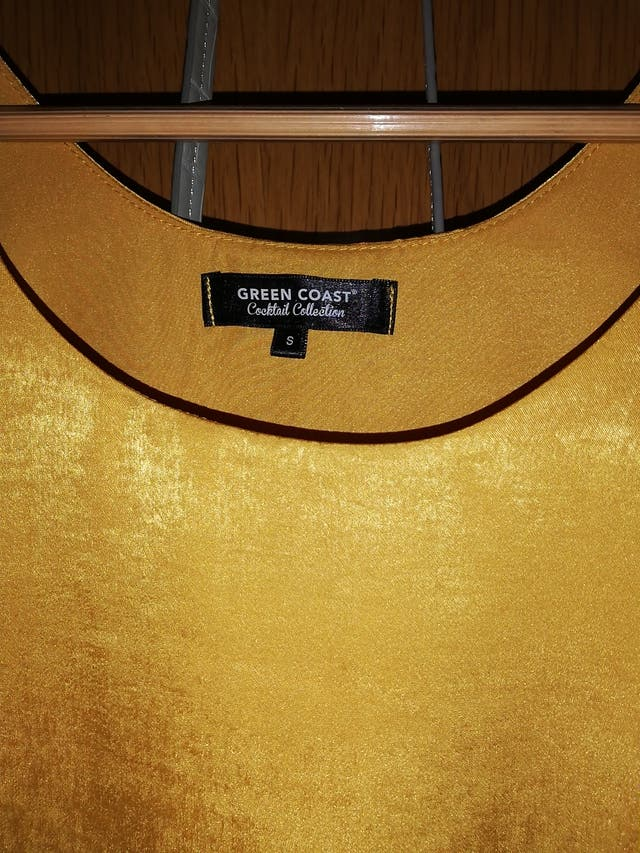 Top amarillo de marca '' GREEN COAST''