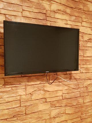 353d45430029 Televisión de segunda mano en Terrassa en WALLAPOP