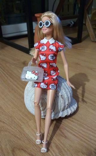 Vestido Hello Kitty de Barbie