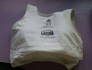 Protector de pecho rígido femenino