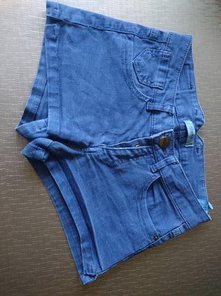 Pantalón corto de chica talla 34