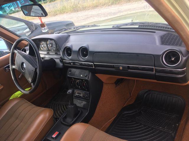 Mercedes-Benz 200 1980