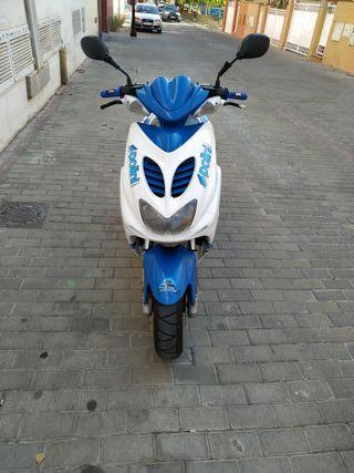 Yamaha aerox 49