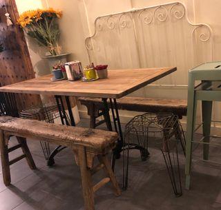 Mesa comedor industrial de segunda mano en Valencia en WALLAPOP