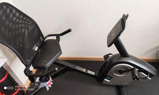 Bicicleta estática, con asiento de respaldo