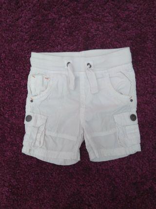 Pantalon corto T: 2 años.