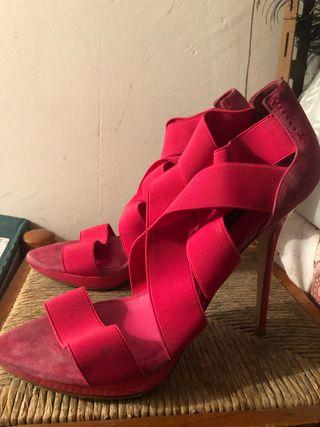 Zapatos de tacón fucsia
