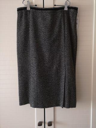 bc4759c8b Falda Zara plisada de segunda mano en Madrid en WALLAPOP