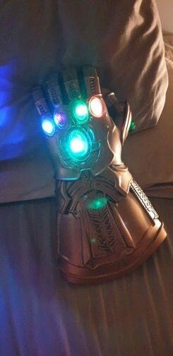 Avengers Infinity Gauntlet 30cm tall 18cm wide