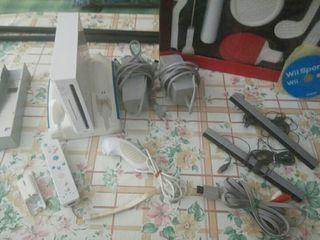 Wii + juego + 2 mandos + 8 en 1...