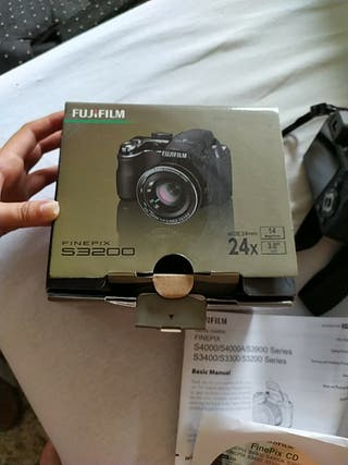 Camara de fotos FUJIFILM FINEPIX S3200