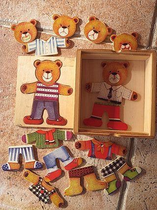 Juego vestir al oso de madera