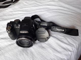 Cámara Finepix S4000deFujifilm