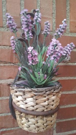 planta artificial. flores lavanda lila