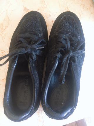 Zapatillas burberry color negro