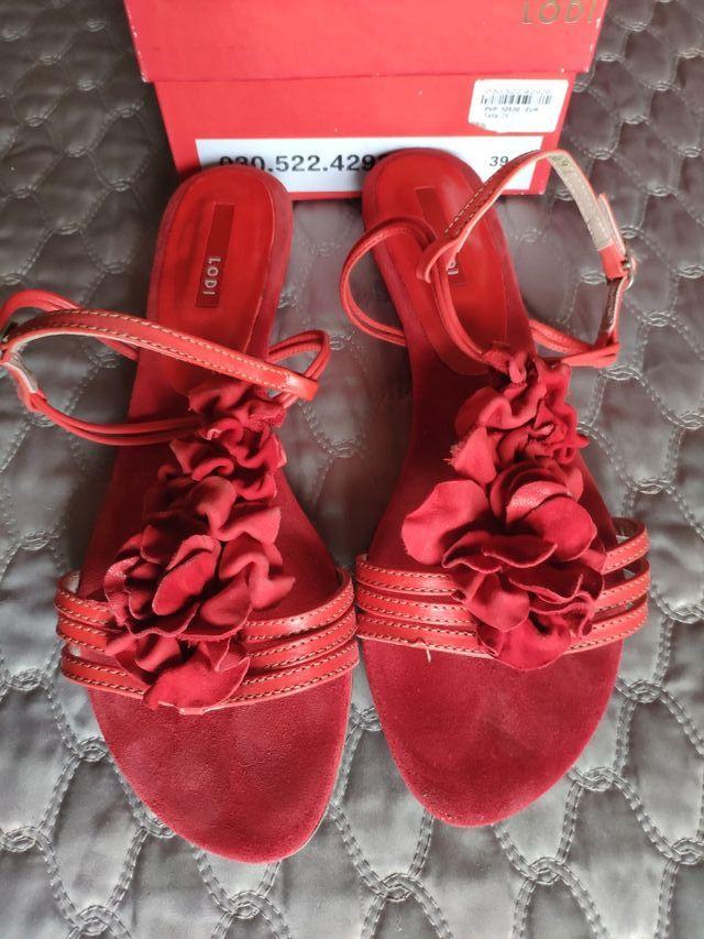 sandalia roja plana 39